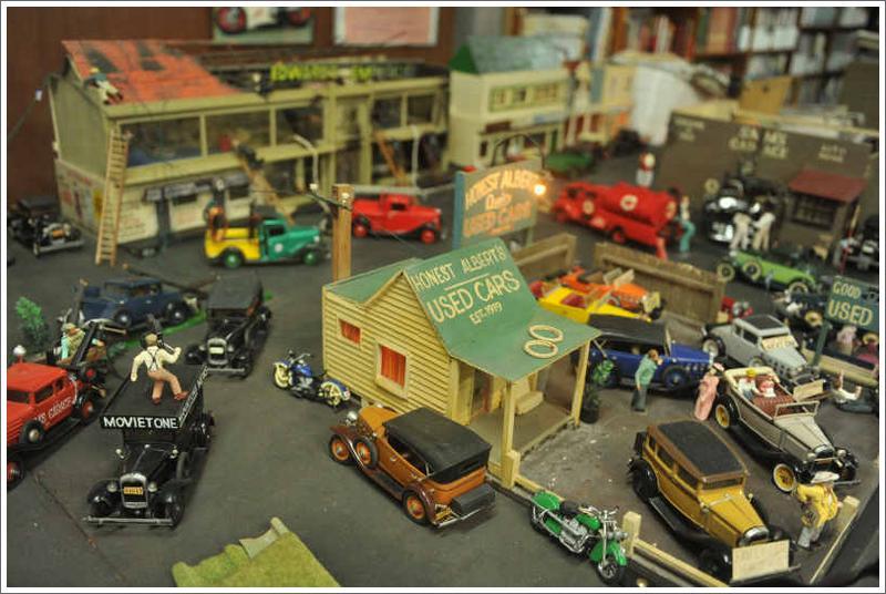 Street Scenes - Motorcycle Diorama